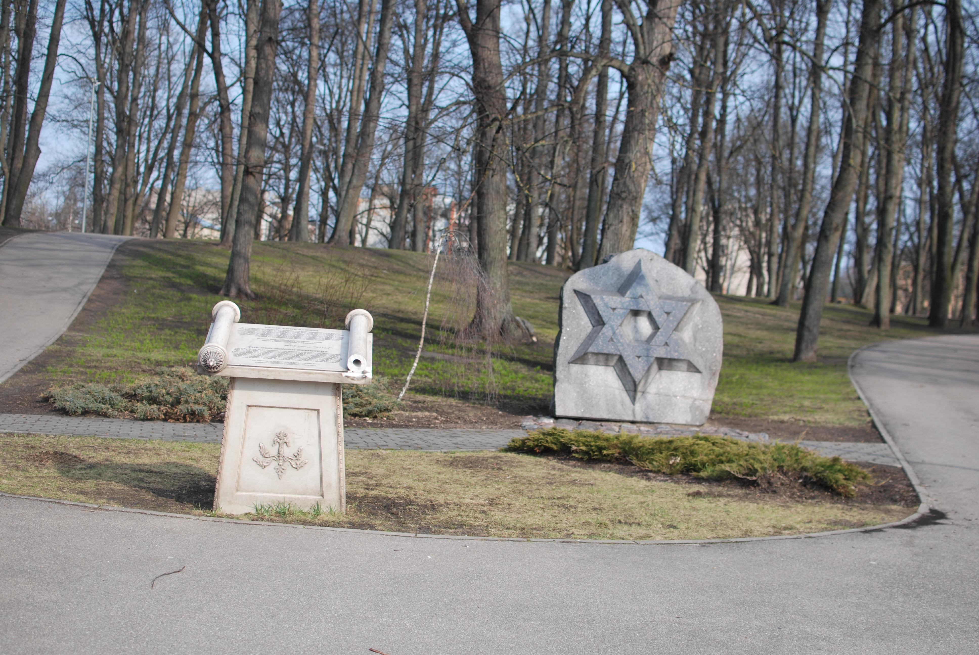 Bildergebnis für riga jewish cemetery